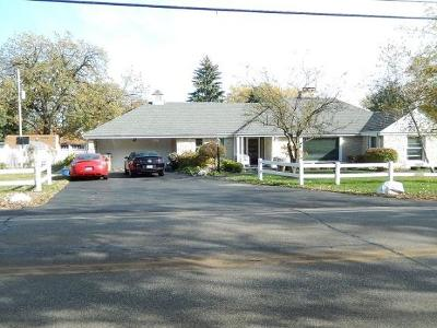Kenosha Single Family Home Active Contingent With Offer: 7641 Cooper Rd