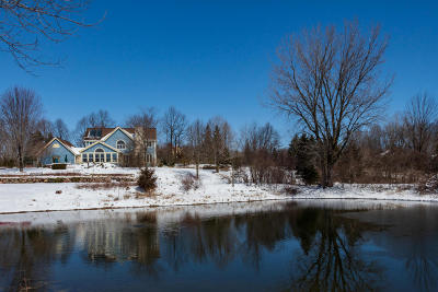 Cedarburg Single Family Home Active Contingent With Offer: 589 Williams Dr