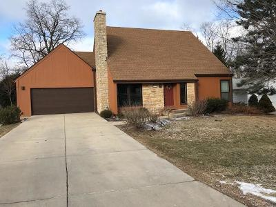 Lake Geneva Single Family Home Active Contingent With Offer: 1713 Miller Ct