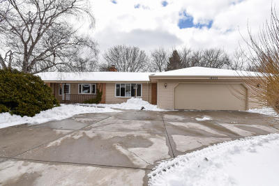 Brookfield Single Family Home Active Contingent With Offer: 18555 Honey Creek Dr