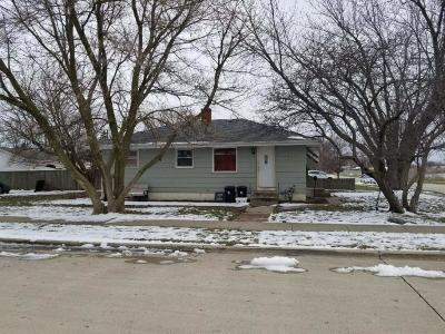 Kenosha County Single Family Home Active Contingent With Offer: 4003 32nd Ave