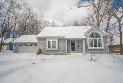 Greenfield Single Family Home For Sale: 5443 S 46th St
