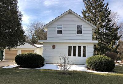 Oconomowoc Single Family Home Active Contingent With Offer: 803 High St