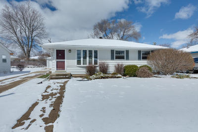Kenosha County Single Family Home Active Contingent With Offer: 6402 58th Ave