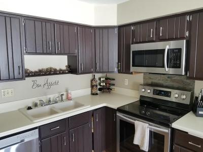 Greenfield Condo/Townhouse For Sale: 5034 S Stonehedge Dr