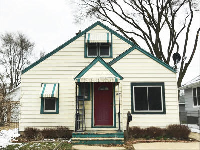 Kenosha Single Family Home Active Contingent With Offer: 6927 35th Ave