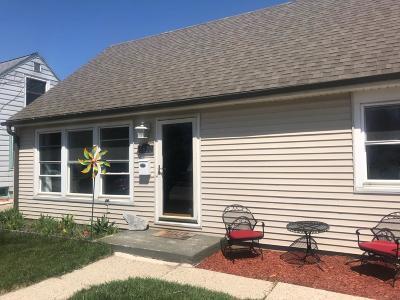 West Allis Single Family Home For Sale: 6820 W Arthur Ave