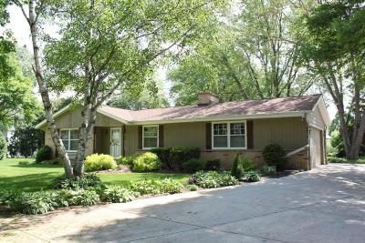 Cedarburg WI Single Family Home Active Contingent With Offer: $269,900