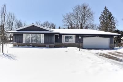 Waukesha County Single Family Home For Sale: 14135 W Wilbur Dr