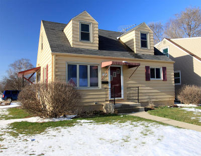 South Milwaukee Single Family Home For Sale: 1434 Drexel Blvd