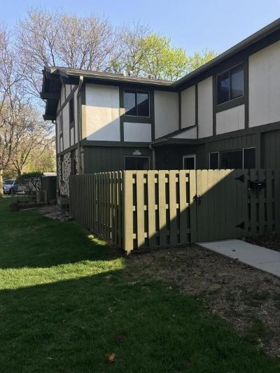 Menomonee Falls Condo/Townhouse Active Contingent With Offer: N76w14552 Northpoint Ct #E