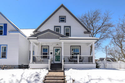 Milwaukee Single Family Home For Sale: 2753 S Superior St