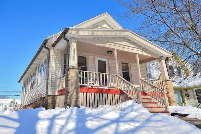 West Allis Single Family Home For Sale: 2219 S 90th St