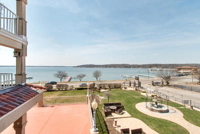 Lake Geneva Condo/Townhouse For Sale: 335 Wrigley Dr #206