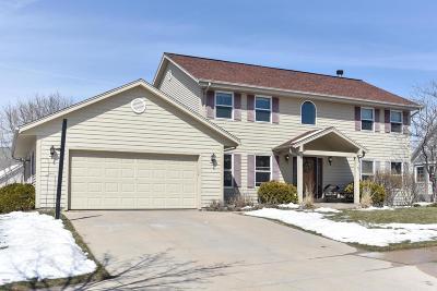 Ozaukee County Single Family Home For Sale: 2052 Apache Ct