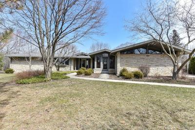 Bayside WI Single Family Home For Sale: $649,900