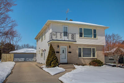 Milwaukee County Two Family Home For Sale: 3659 S 78th St