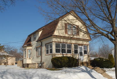 Milwaukee County Single Family Home For Sale: 2001 S 91st St