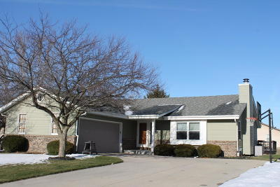 Germantown WI Single Family Home For Sale: $279,900