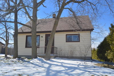 Milwaukee County Single Family Home For Sale: 8253 N Teutonia Ave