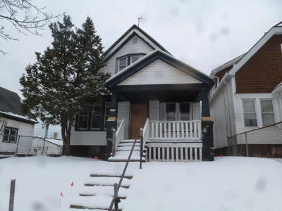 Milwaukee County Single Family Home For Sale: 3238 N 33rd St