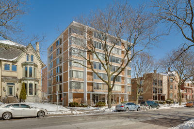 Milwaukee WI Condo/Townhouse For Sale: $129,900