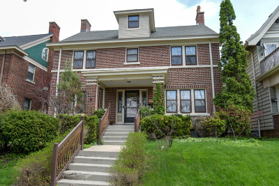 Milwaukee County Single Family Home For Sale: 3052 N Stowell Ave