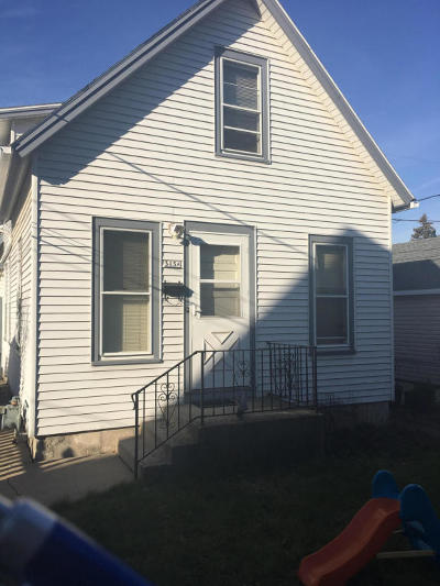 Milwaukee County Single Family Home For Sale: 315a S 65th St