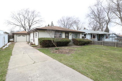 Kenosha County Single Family Home For Sale: 6324 53rd Ave