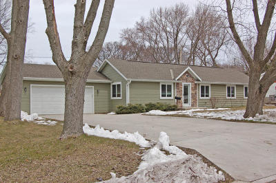 Mukwonago Single Family Home For Sale: 434 Blood St
