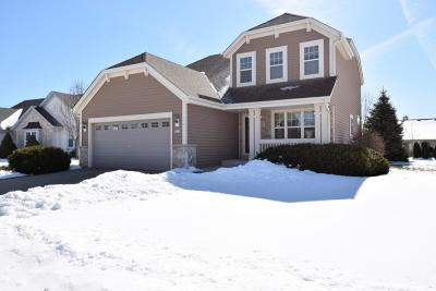 Waukesha Single Family Home Active Contingent With Offer: 3823 Valley Creek Dr