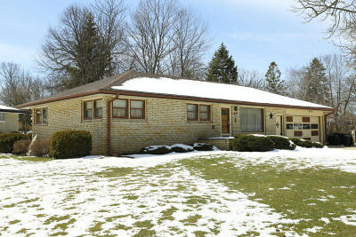 Milwaukee County Single Family Home For Sale: 3407 W Bottsford Ave