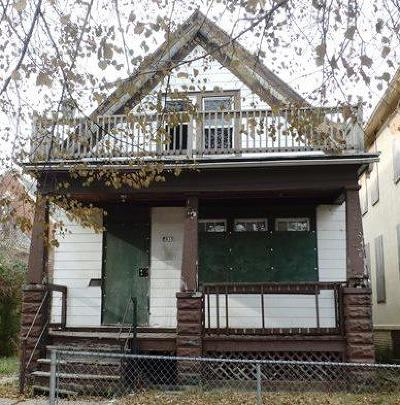 Milwaukee County Single Family Home For Sale: 2815 N 22nd St