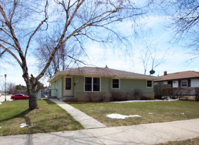 Milwaukee County Single Family Home For Sale: 3373 E Henry Ave