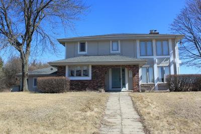 Cedarburg Single Family Home For Sale: 3036 Country Aire Dr