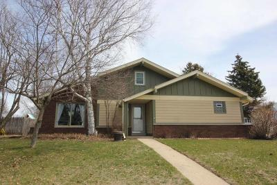 Mukwonago Single Family Home Active Contingent With Offer: 1200 Western Trl
