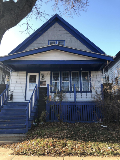 Milwaukee Single Family Home For Sale: 2247 S 16th St