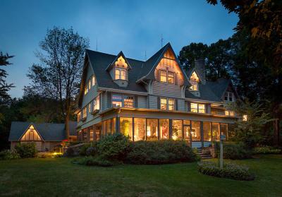 Oconomowoc Single Family Home For Sale: 4325 W Beach Rd #PclA