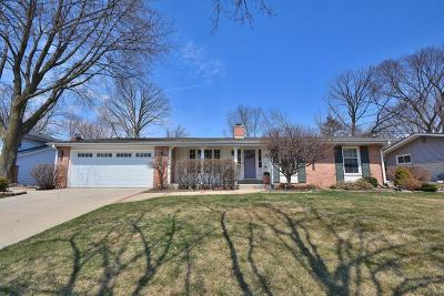 Menomonee Falls Single Family Home Active Contingent With Offer: N86w15828 Riverside Bluff Rd