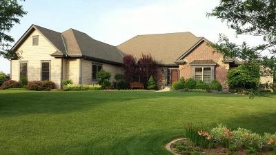 Muskego Single Family Home Active Contingent With Offer: S84 W13027 Blue Heron Ln