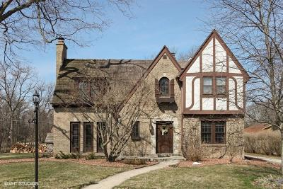Brookfield Single Family Home For Sale: 205 S Park Blvd