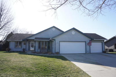 Saukville Single Family Home Active Contingent With Offer: 307 S Cottrell Dr