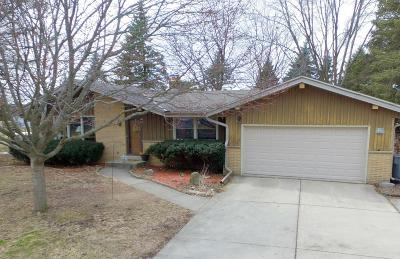 Muskego Single Family Home Active Contingent With Offer: W139s6605 Sherwood Cir