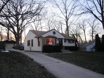 Milwaukee Single Family Home For Sale: 2645 S 49th St.