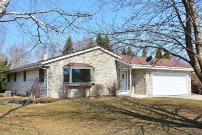 West Bend Single Family Home For Sale: 6041 Holly Ln