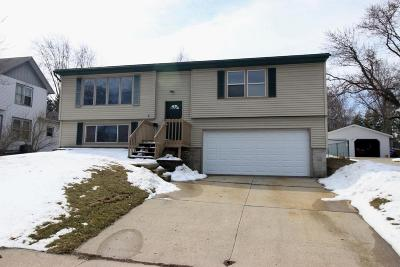 Oconomowoc Single Family Home Active Contingent With Offer: 755 Armour Rd
