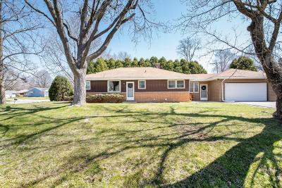 Brown Deer WI Single Family Home For Sale: $154,900