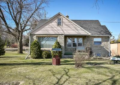 West Bend WI Single Family Home For Sale: $159,900