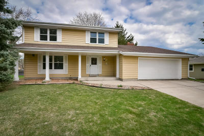Cedarburg Single Family Home Active Contingent With Offer: W75n766 Tower Ave