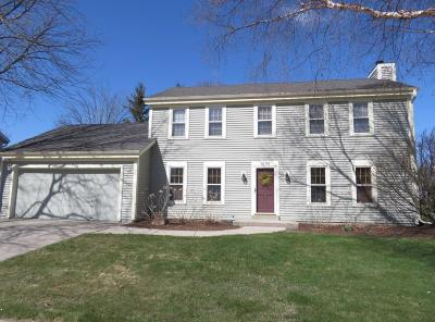 Oconomowoc Single Family Home Active Contingent With Offer: 1292 Heather Cir